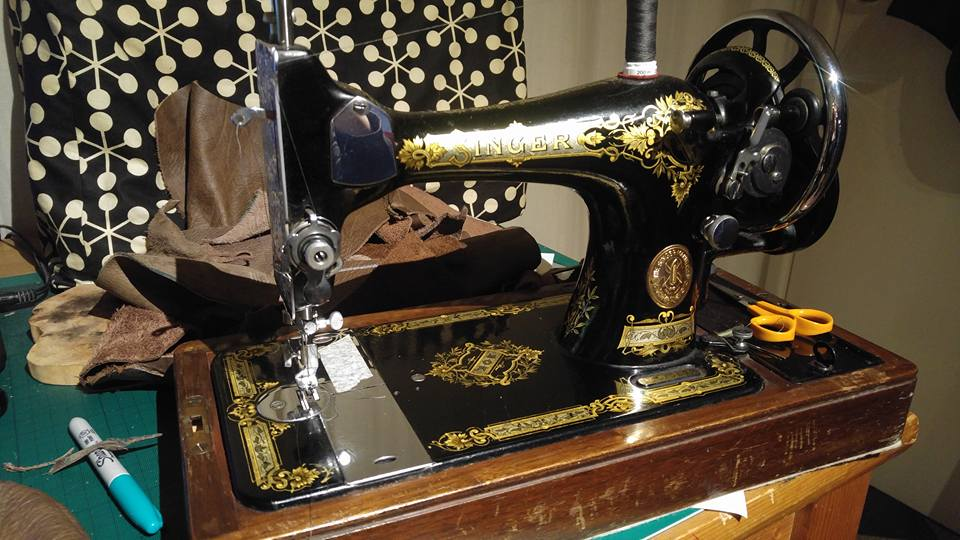 An old Singer sewing machine can be used to sew heavy materials that other sewing machines cannot cope with.